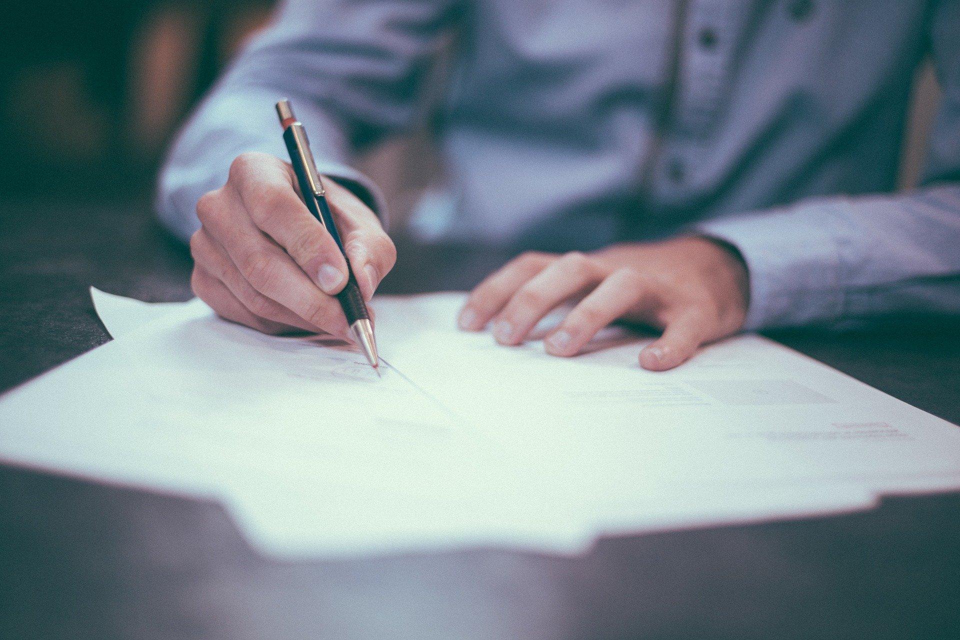 contrato con la administracion pública